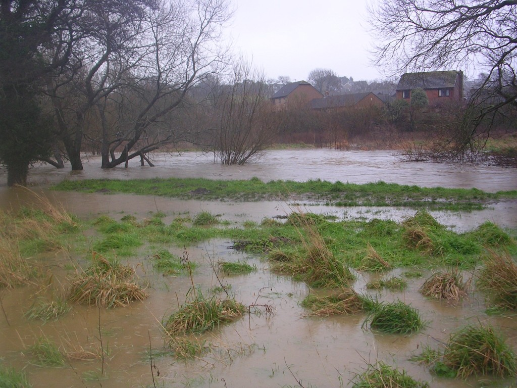 "alt=""flooded River Asker January 2016"""