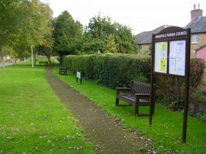 "alt=""Railway Gardens memorial benches & notice board"""
