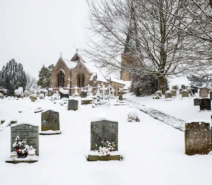 "alt=""winter snows at Bradpole Churchyard"""